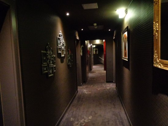 pentahotel Vienna: pasillos