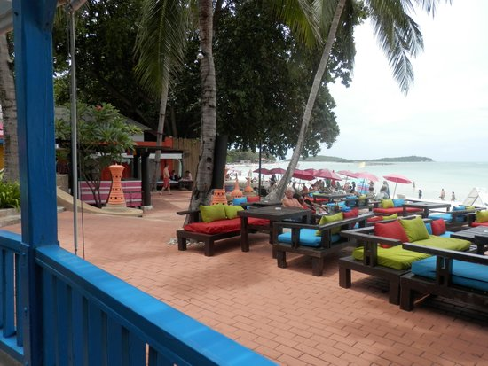 Baan Samui Resort: Pool and Cafe