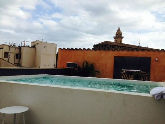 Posada Terra Santa: night cool rooftop pool