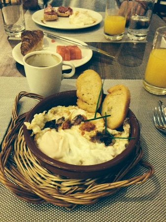 Posada Terra Santa: Great Breakfast