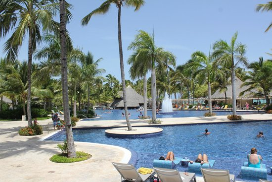 Barcelo Bavaro Palace : Main Pools - Ground is spectacular!
