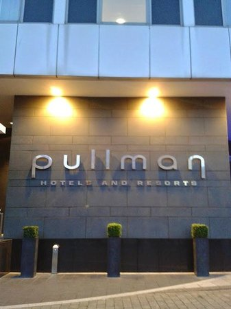 Pullman London St Pancras Hotel: Entrada