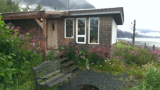Angels Rest on Resurrection Bay, LLC: Gatehouse cabin