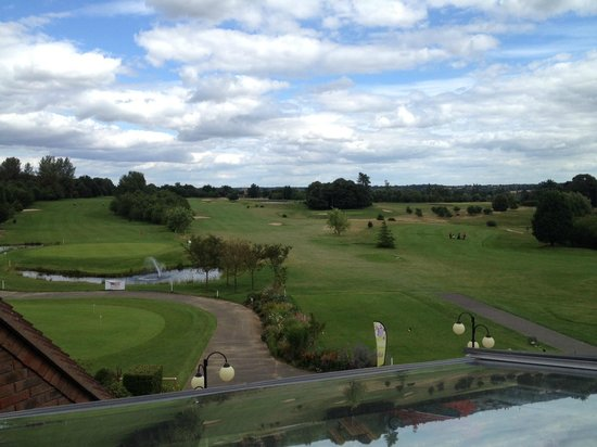Ufford Park Woodbridge Hotel, Golf & Spa: View from another one of the windows overlooking the golf course