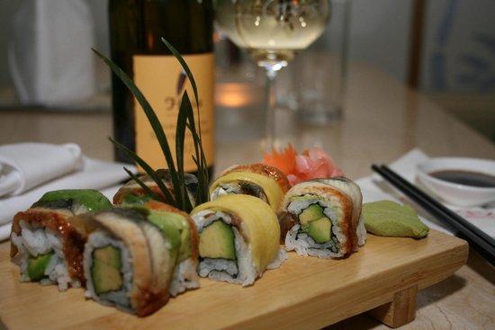 Geisha Asian Restaurant: Eel avocado roll