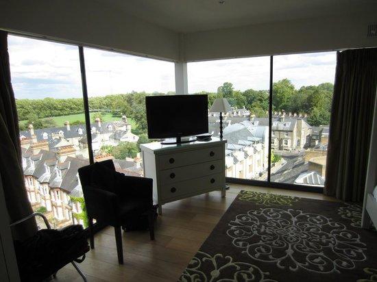 The Varsity Hotel & Spa: 614 Bedroom view