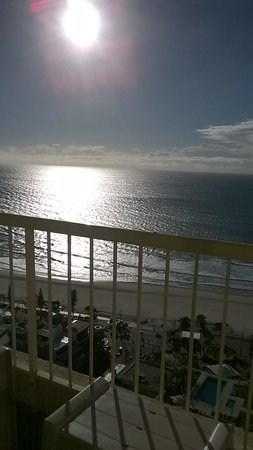 Hotel Grand Chancellor Surfers Paradise: view from room