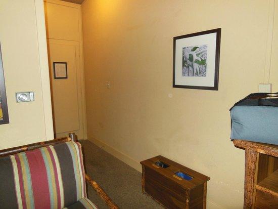 Yosemite Valley Lodge: the room