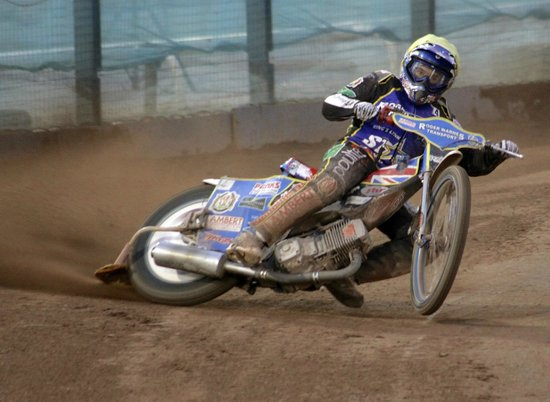 Poole Speedway: Poole Pirates lift off!