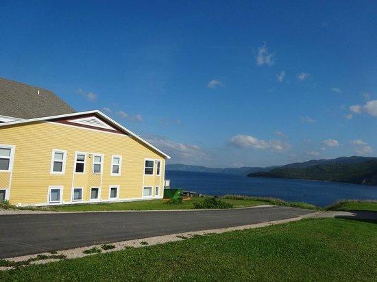 Neddies Harbour Inn : great view of Bonne Bay from the Inn
