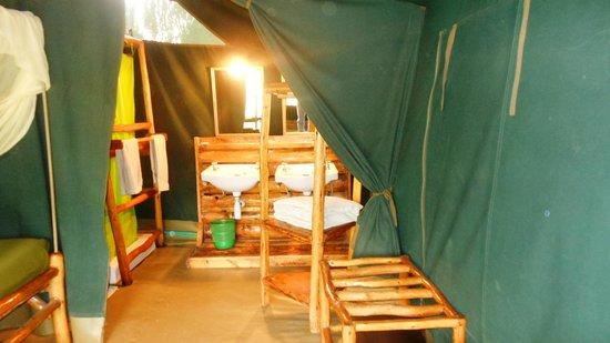 Kibo Safari Camp: The bathroom
