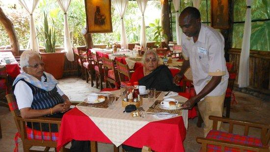 Kibo Safari Camp: Acacia Dining
