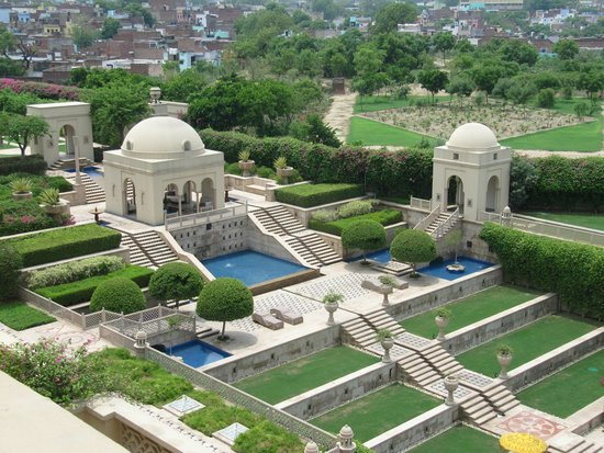 The Oberoi Amarvilas: Grounds