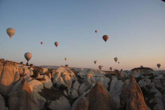 Yunak Evleri: Paseo en globo