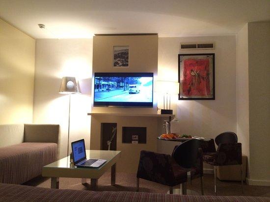 Mercure Nice Centre Notre Dame: Junior Suite -602- côté salon ...