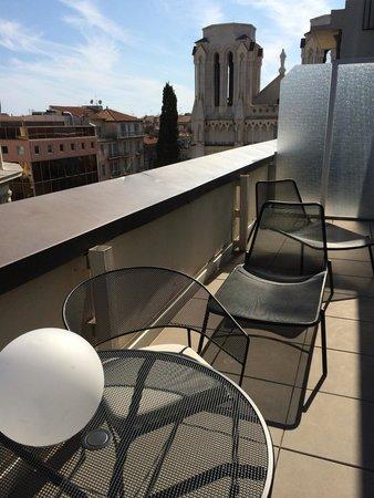 Mercure Nice Centre Notre Dame: Junior Suite 602 - Terrasse privative vue sur Notre Dame au 6 eme étage