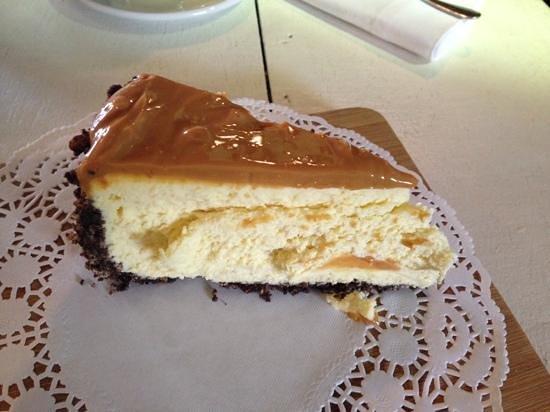 Pajamas & Jam Eatery: Decadent Cheesecake, yummy!