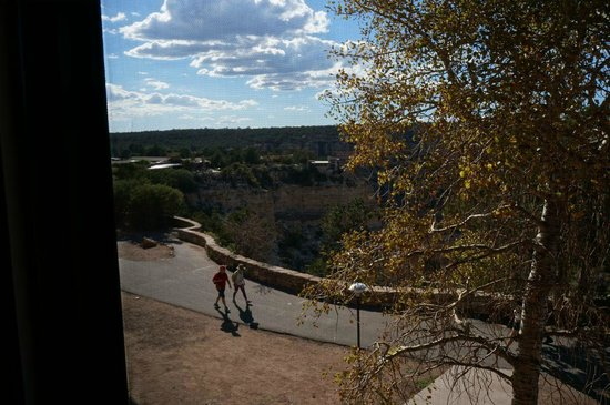Kachina Lodge: View from 2nd floor