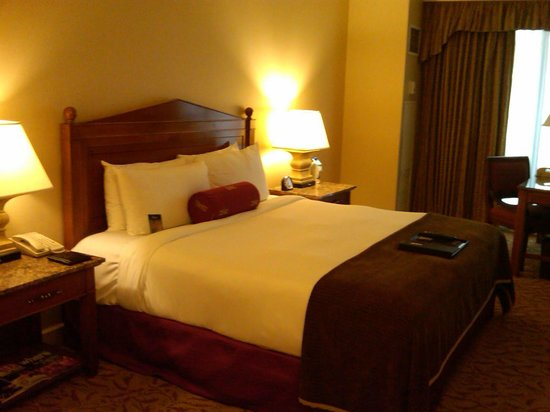 Warwick Melrose Hotel Dallas: Very Nice Rooms