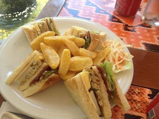Bintang Flores Hotel: Club sandwich