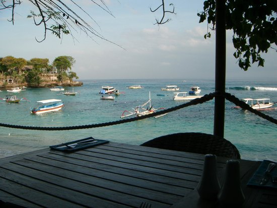 Hai Tide Beach Resort: Sitting at breakfast - can't get enough of that view