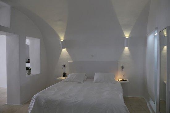 Sun Rocks Hotel: Bedroom of Honeymoon Suite