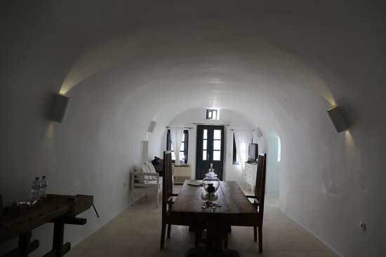 Sun Rocks Hotel: Living room of Honeymoon Suite