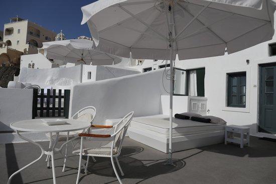 Sun Rocks Hotel: Terrace/Balcony of Honeymoon Suite