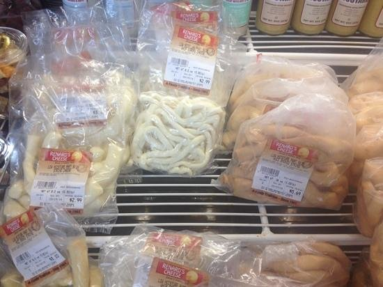 Renard's Cheese: String Cheeses