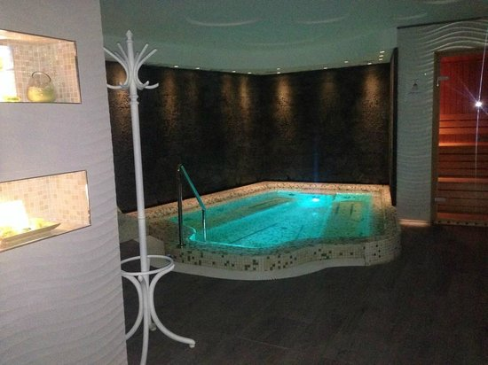 Hotel Moskva : The jacuzzi
