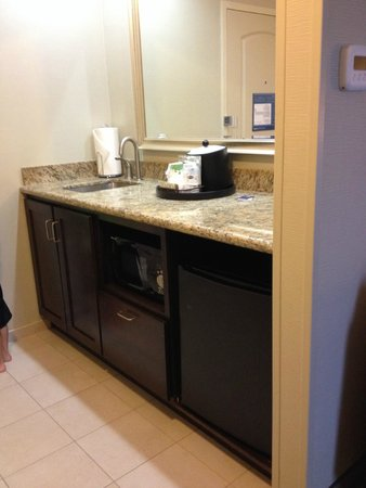 Hampton Inn & Suites Astoria: amenities
