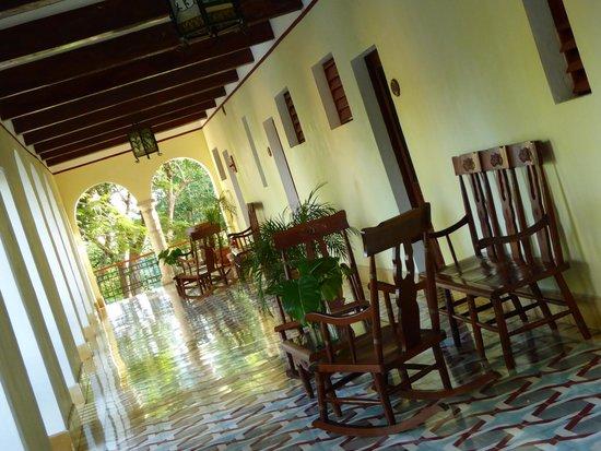 Hotel Hacienda Uxmal Plantation & Museum : Vue des corridors