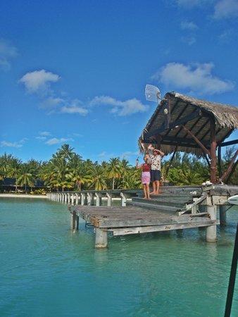 Eden Beach Hotel Bora Bora : Vlad & wife, we'll be friends for a long time!!!