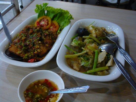 Pong Lee Restaurant: 料理2品