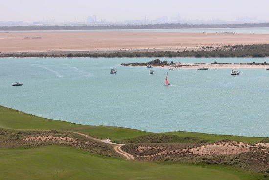 Radisson Blu Hotel, Abu Dhabi Yas Island : Utsikt från rummet