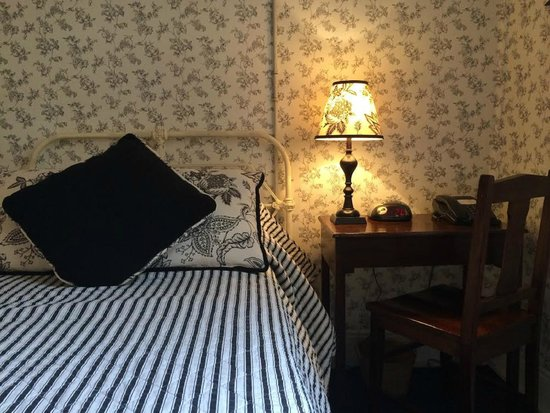 The Russell Hotel : Single Room