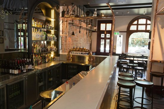 The Russell Hotel: Push Bar + Dining