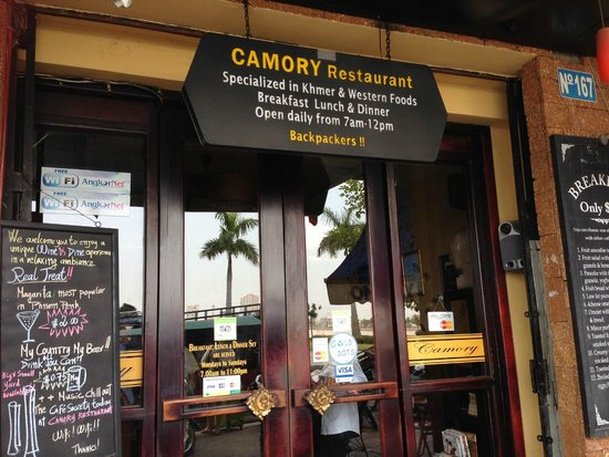 Camory Backpackers Hostel: entrance
