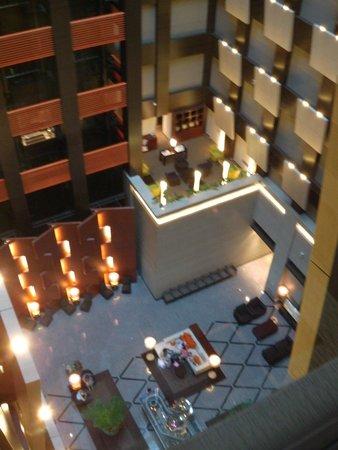Hotel Metropolitan Tokyo Marunouchi: Lobby