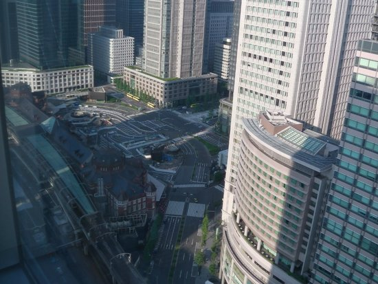 Hotel Metropolitan Tokyo Marunouchi: 7:00 am no traffic