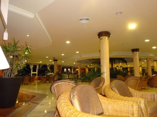 Barcelo Corralejo Bay: Reception Area