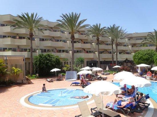 Barcelo Corralejo Bay: Pool Area 3