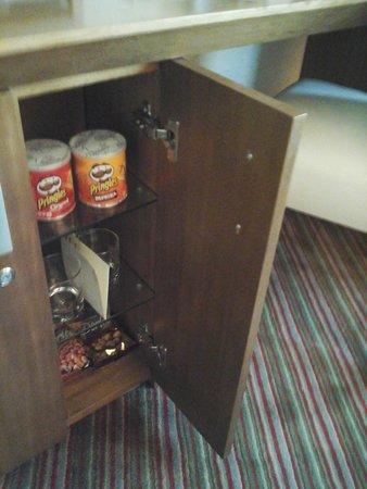 Movenpick Hotel Izmir: EXTRA MINI BAR
