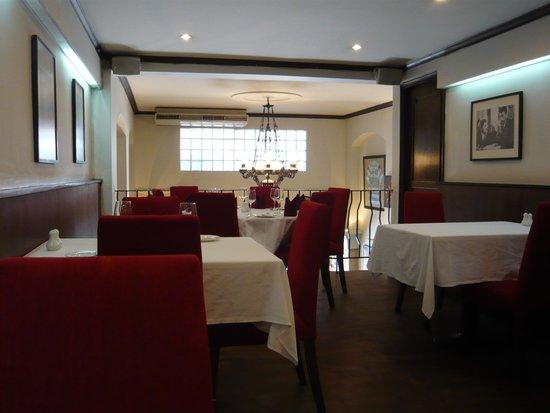 JP French Restaurant: 店舗2階の様子