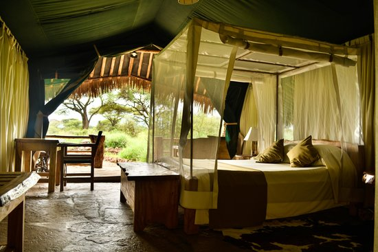 Kibo Safari Camp: Luxury Tent