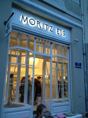 Moritz Eis: Entrance