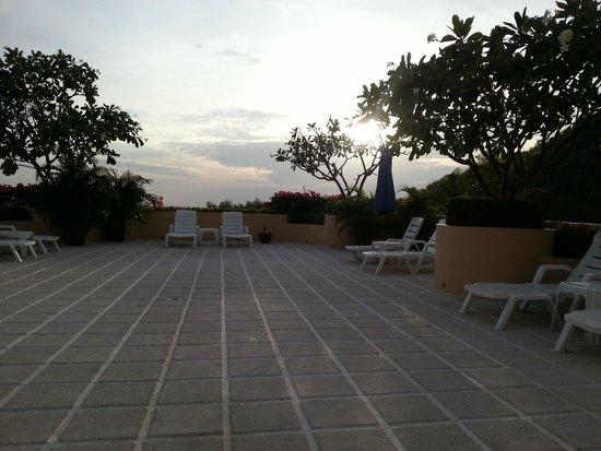 Pacific Club Resort : Зона для загара на крыше