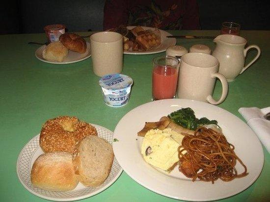 Swissotel The Stamford Singapore: 朝食
