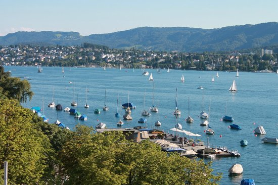 Steigenberger Bellerive au Lac: Zurich lake view from room