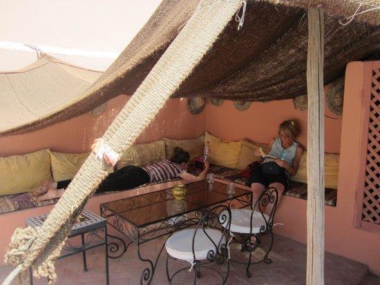 RIAD ABACA BADRA : Sur la terrace